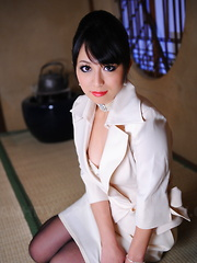 Elegant Asian chick Nana Kunimi shows off