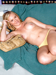 Hair-do-well - Erotic and nude pussy pics at GirlSoftcore.com